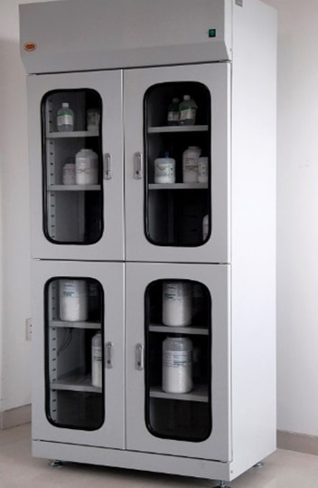 Tủ đựng hóa chất 4 cánh THC-900 N