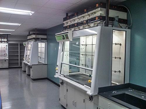 Giải pháp thiết kế phòng thí nghiệm mở và linh hoạt